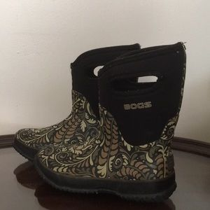 Shoes - Boggs boots
